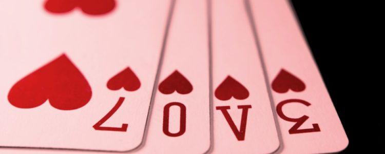 Domande al cartomante: le più diffuse su amore e famiglia